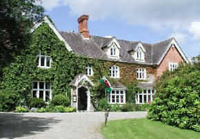 Milebrook house is situated in the Teme Valley east of the town of Knighton 12 miles from Ludlow.