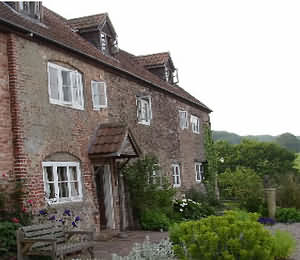 Grove Farm B&B, Bullo Pill, Newnham-On-Severn, Gloucestershire. GL14 1EA